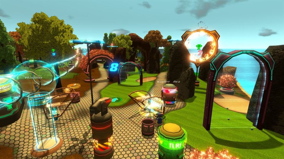 Golftopia Review-Test - SciFi Golfer in bunt - SimGolf or SimTycoon - path and tubes to travel around
